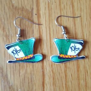 NWT Mad Hatter Top Hat Alice in Wonderland Earring